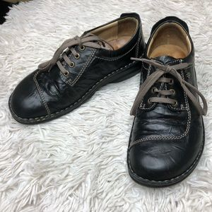 Finn Comfort Leather Lace Shoes!